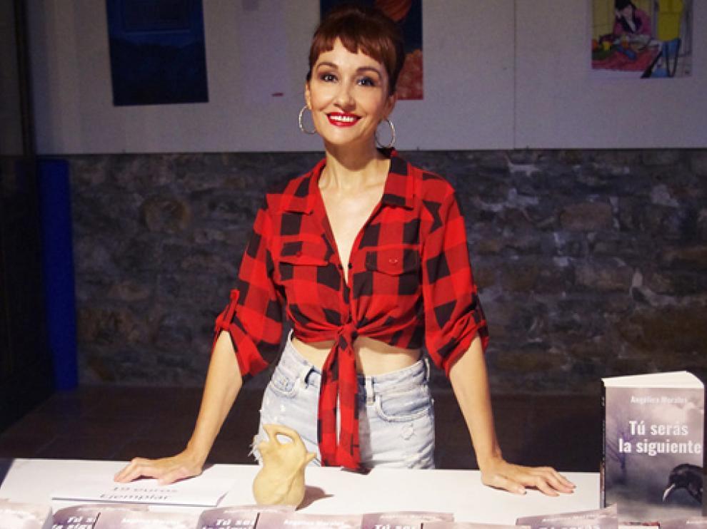Angélica Morales.
