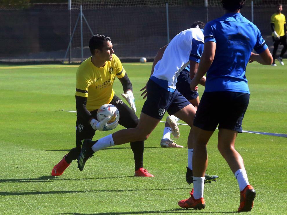 Andrés Fernández fue titular en el primer partido.