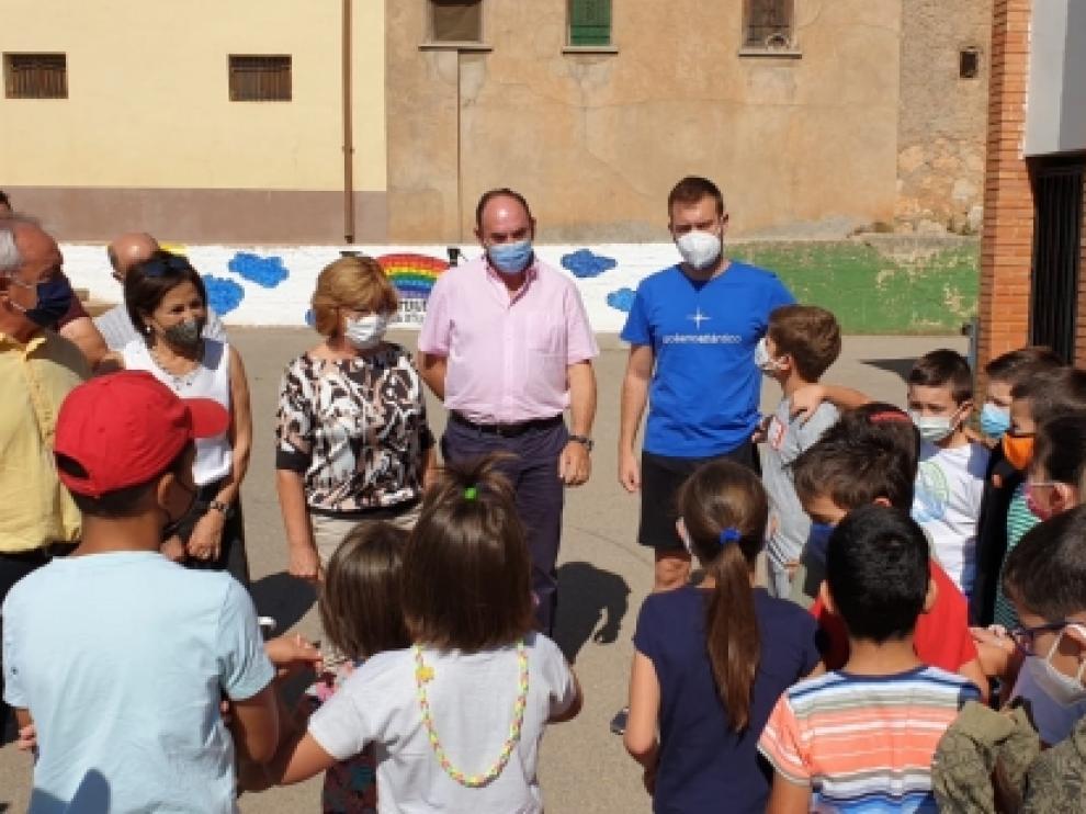 Broto ha visitado las colonias rurales en Alfambra