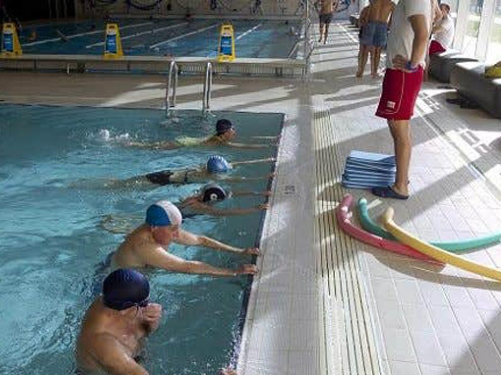 La natación es muy beneficiosa para todo tipo de dolencia