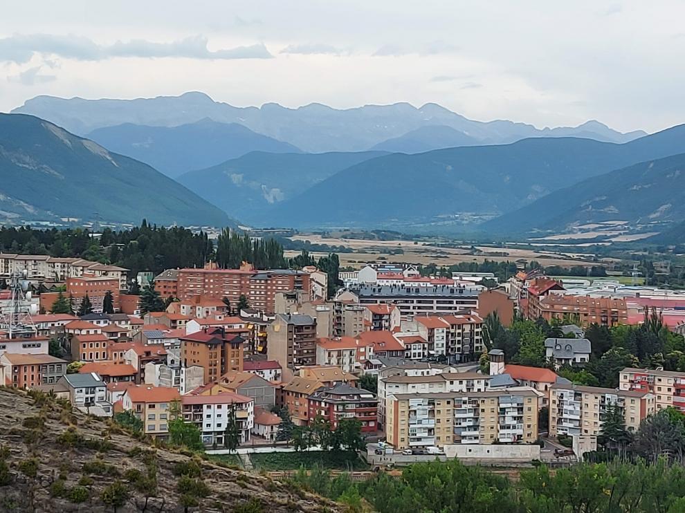Vista de Sabiñánigo desde Capitiellos.