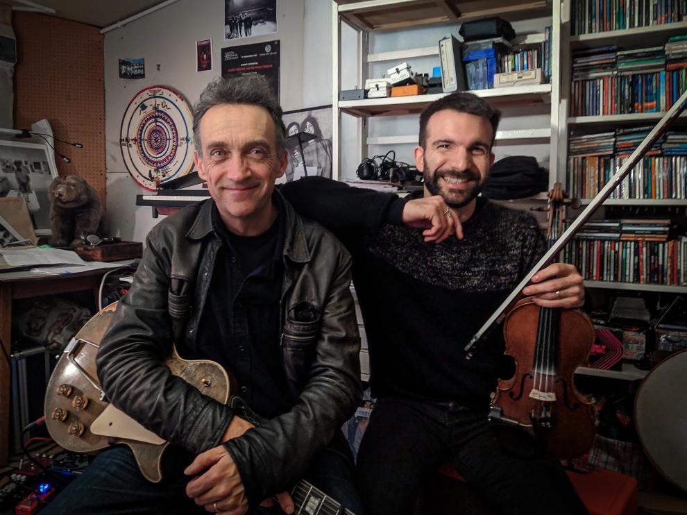Justin Adams y Mauro Durante actuarán este domingo en Piracés
