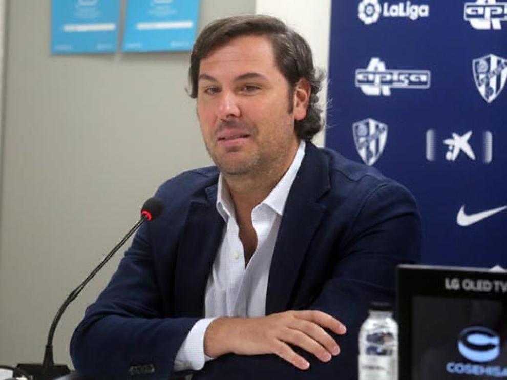 Rubén García, director deportivo de la S.D. Huesca, ayer en la presentación de Miguel San Román.