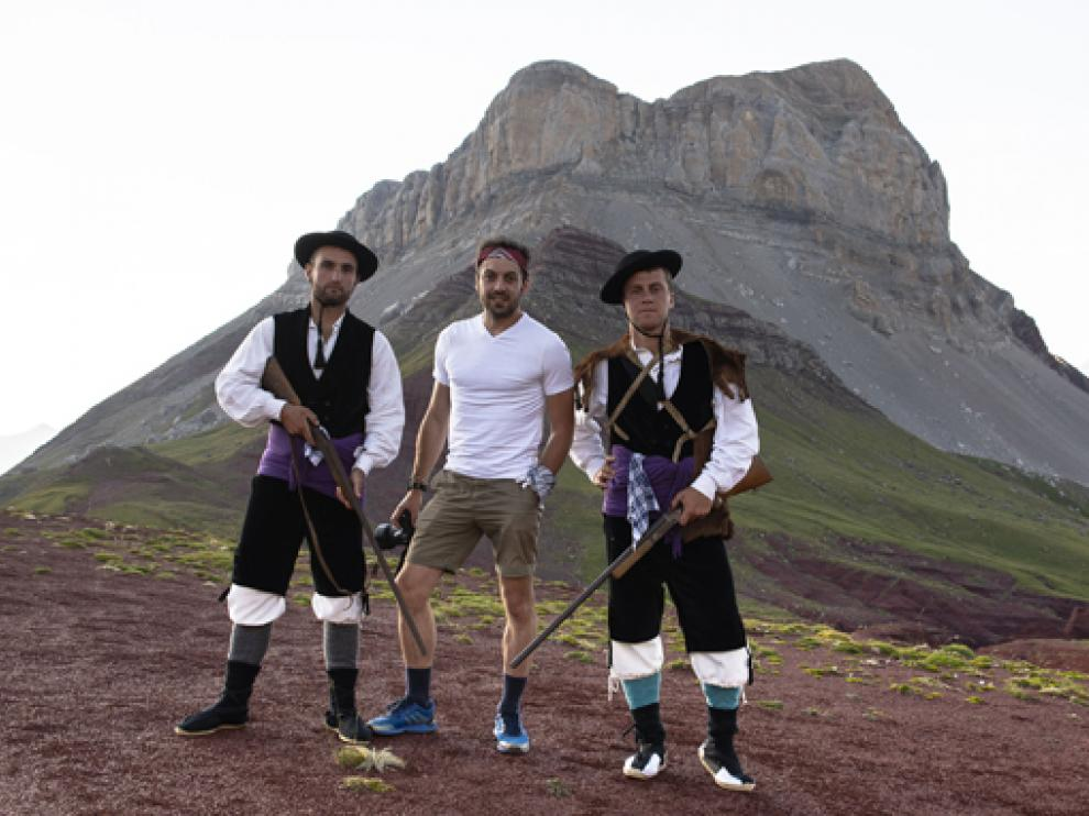 Aitor Borruel, en el centro, ha recreado otras épocas en el valle.