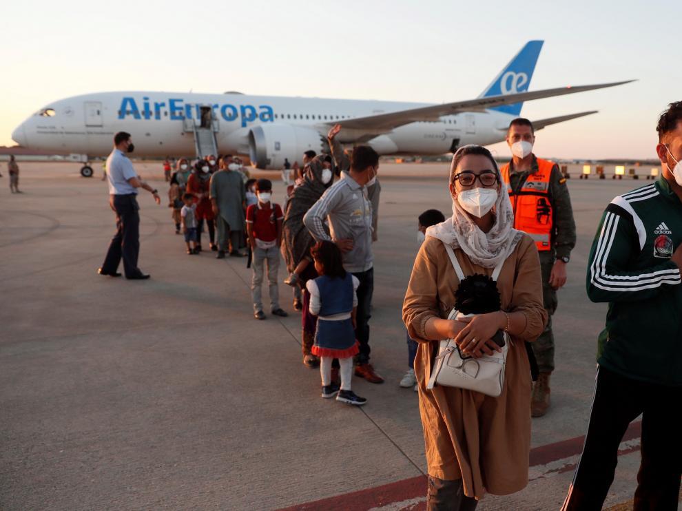 Llegada del segundo avión con 110 evacuados afganos y españoles.