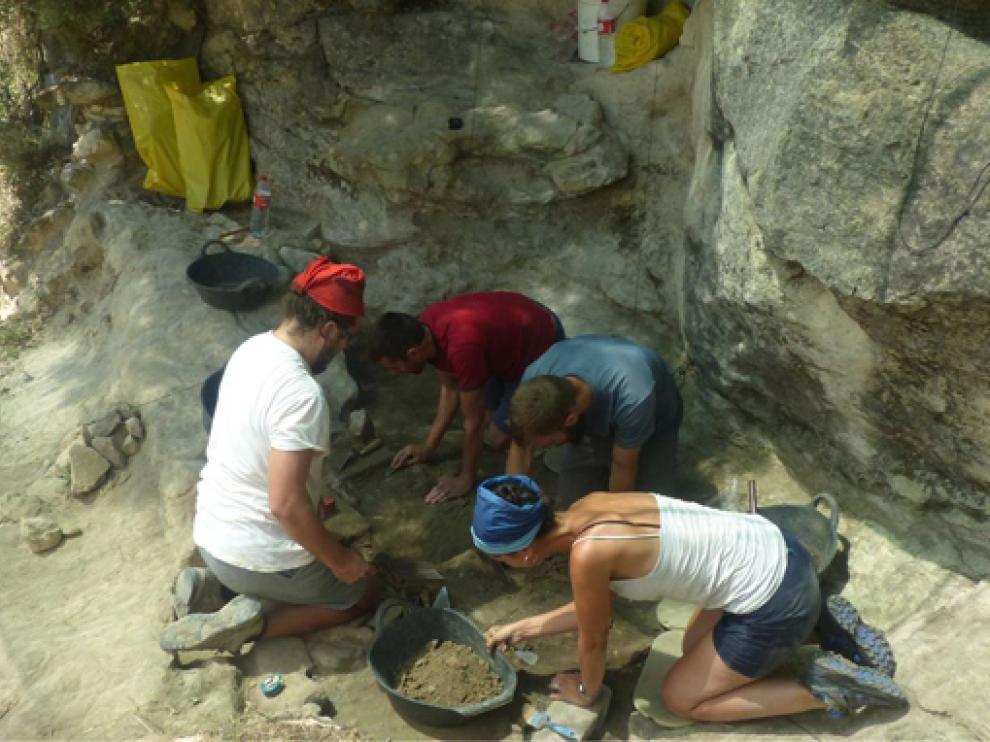 Excavaciones en la cuenca del río Arba de Biel