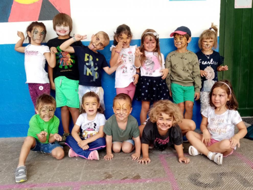 No han faltado los talleres de pintura de cara en las Escuelas de Verano.