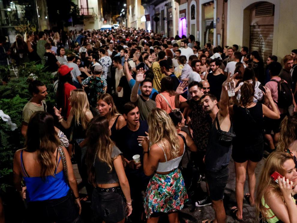En Barcelona fueron desalojadas más de seis mil personas.