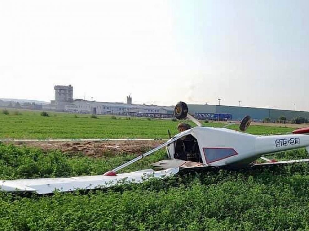 Así quedó la avioneta tras el aterrizaje de emergencia