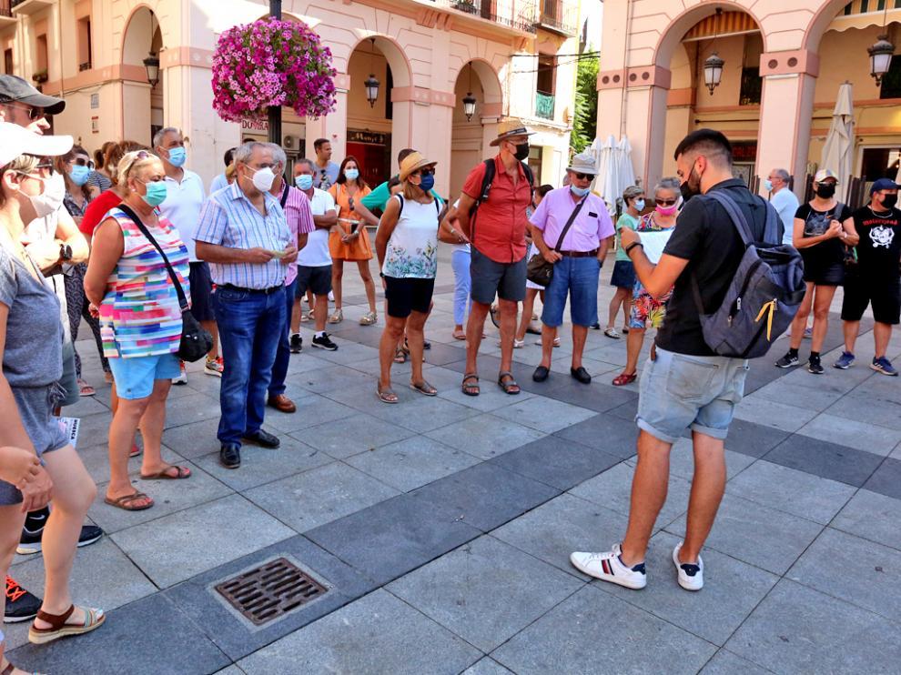 El punto de salida de las visitas guiadas por el casco antiguo es la plaza de Luis López Allué