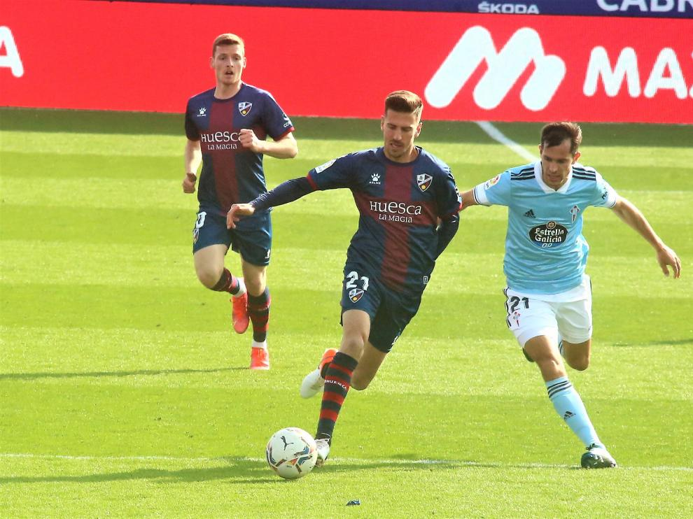Juan Carlos jugó su último partido con el Huesca ante el Celta.