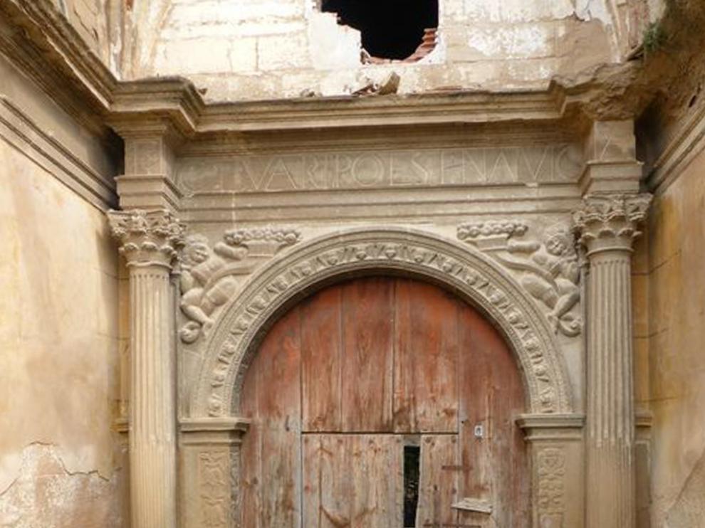 Portada de la iglesia de Castarlenas