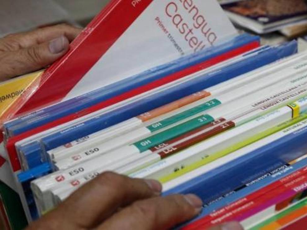 Las familias recurren cada vez más a los libros de texto de segunda mano