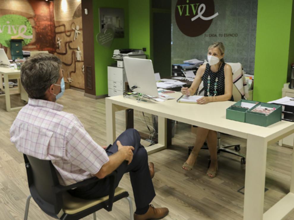 Vive Inmobiliaria Huesca atiende las peticiones que llegan de jóvenes estas semanas de agosto.