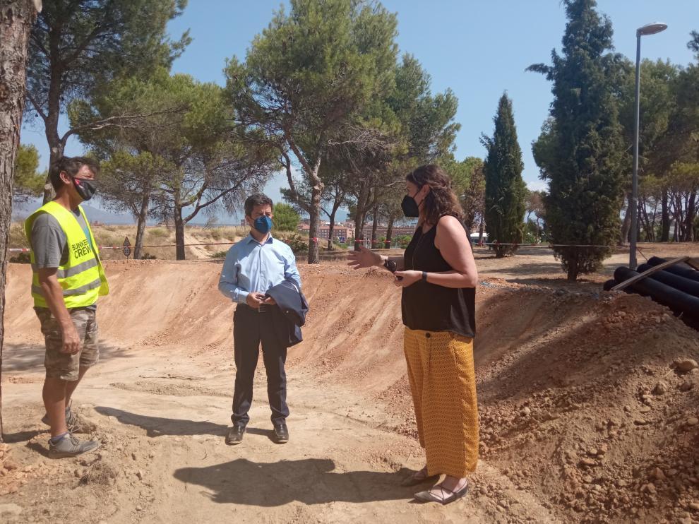 El alcalde de Huesca y la concejala de Urbanismo han visitado las obras que marchan según lo previsto