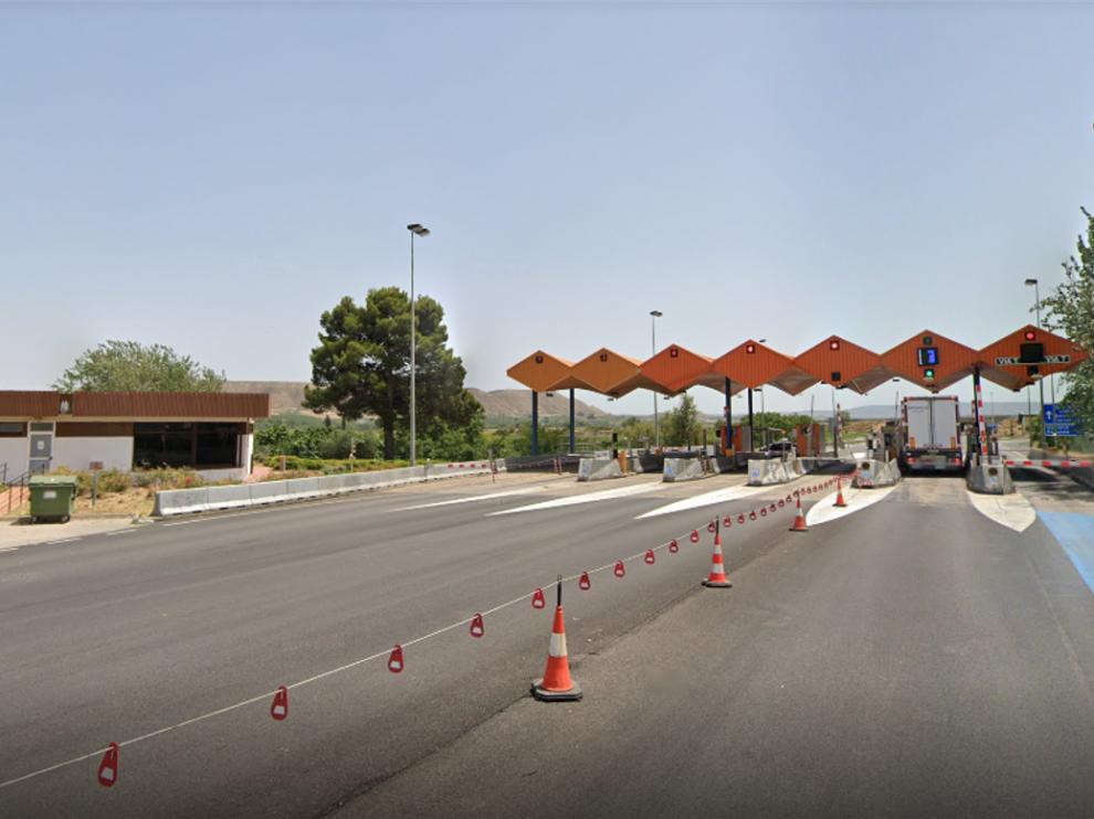 La AP-2 recorre los términos municipales de Fraga, Torrente de Cinca, Candasnos y Peñalba.