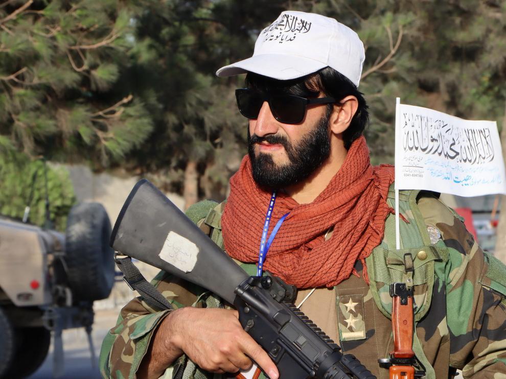 Integrante del ejército talibán.