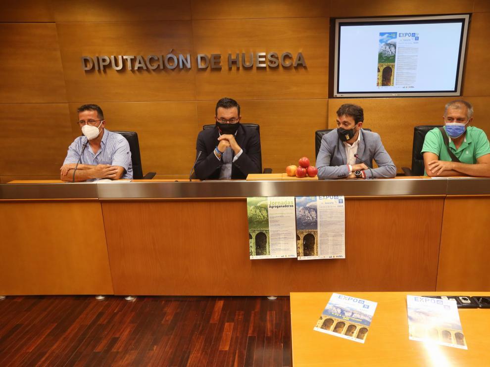 Enrique Pueyo, Roque Vicente, Joaquín Solanilla y Luis Lascorz en la presentación de la XXXVI edición de la Expoferia de Sobrarbe