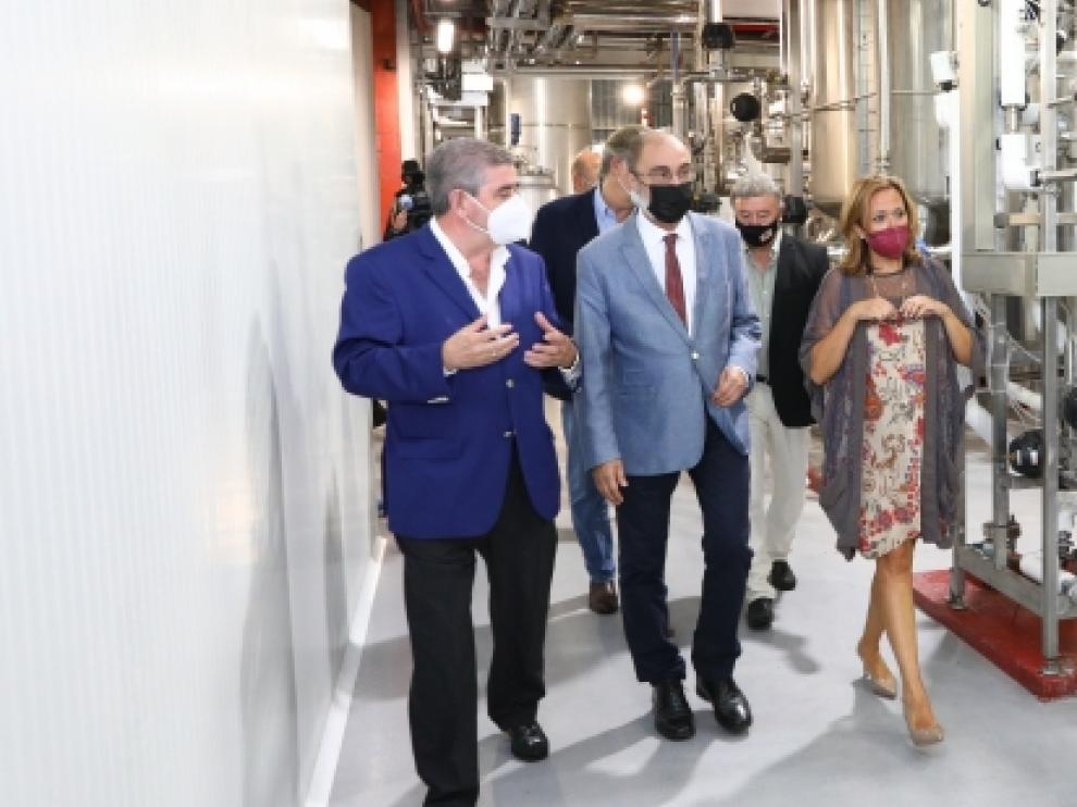 El presidente Lambán, acompañado de Mayte Pérez, visita la empresa Fertinagro en Utrillas