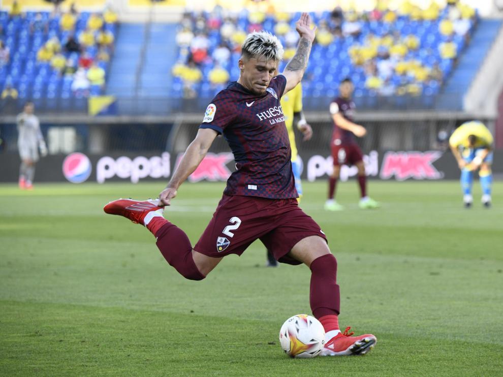 Andrei Ratiu, que fue titular en el último partido contra Las Palmas, está concentrado con la selección de Rumanía.