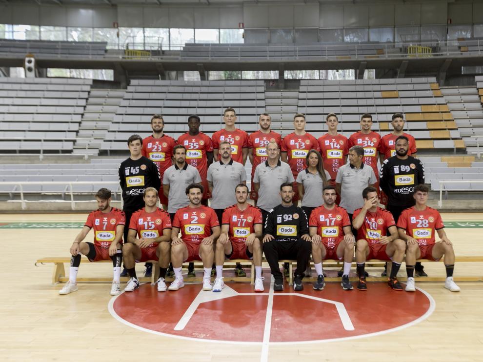 Foto oficial del Bada Huesca  con la primera equipación.