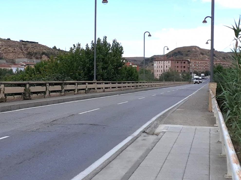 Puente grande sobre el río Cinca en Fraga