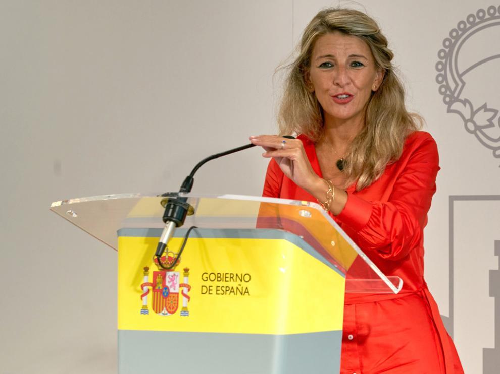 Yolanda Díaz, vicepresidenta segunda y ministra de Trabajo, ayer en una rueda de prensa en Vitoria