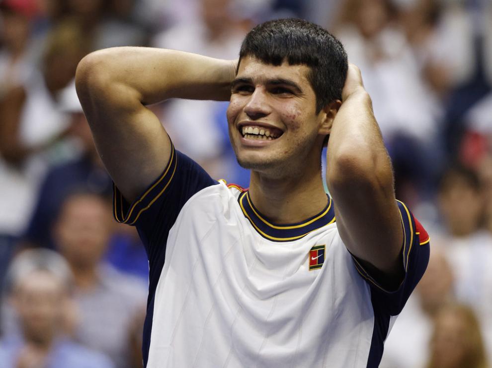 Alcaraz, incrédulo tras batir al griego Tsitsipas en el torneo estadounidense.