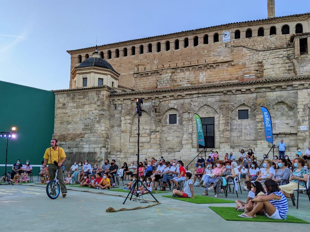 Circo La Raspa, ayer en Castejón de Monegros