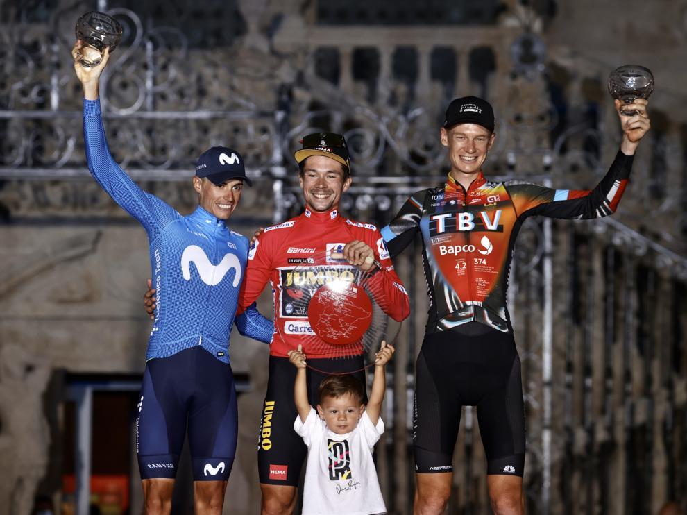 El podio final, con Mas, Roglic y Haig