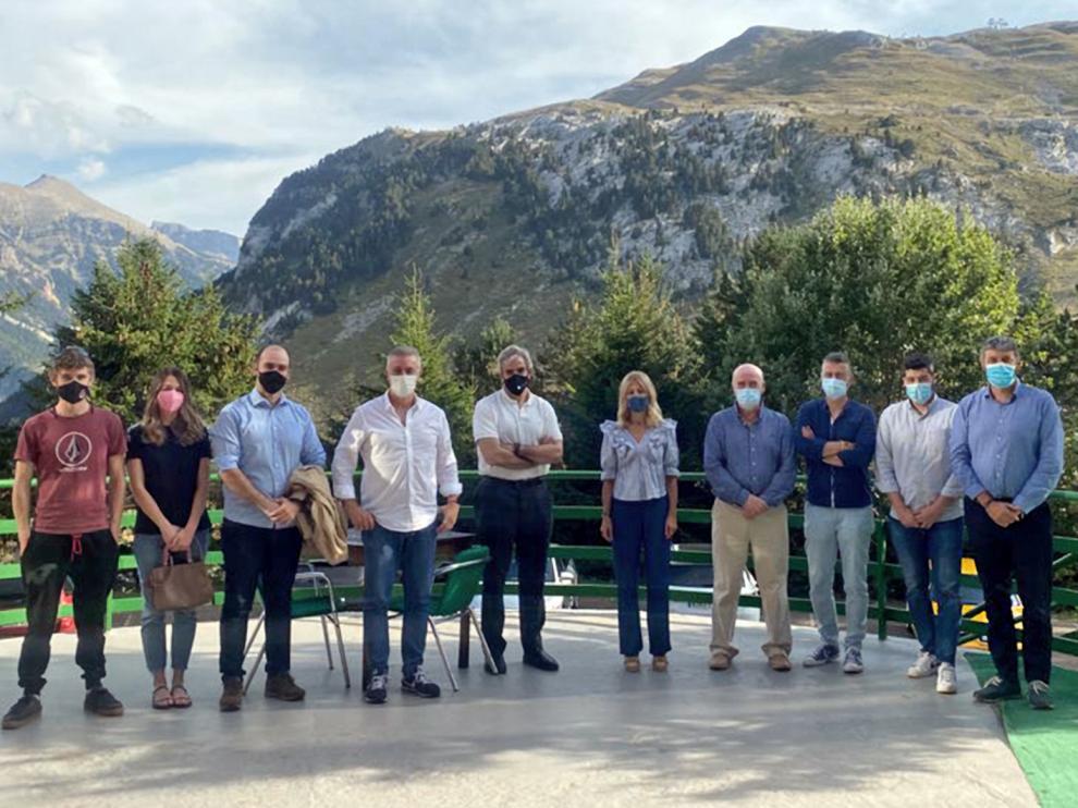 Responsables del PP aragonés y oscense junto a representantes empresariales del Valle del Aragón