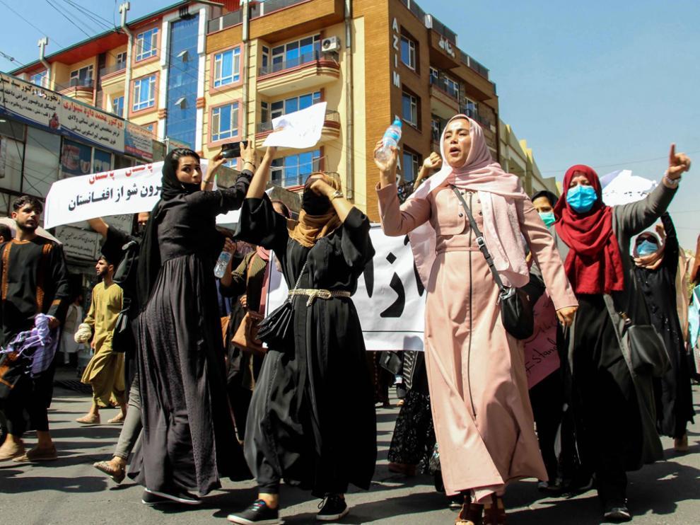 Mujeres afganas en las protestas convocadas ayer en Kabul en apoyo a la resistencia.