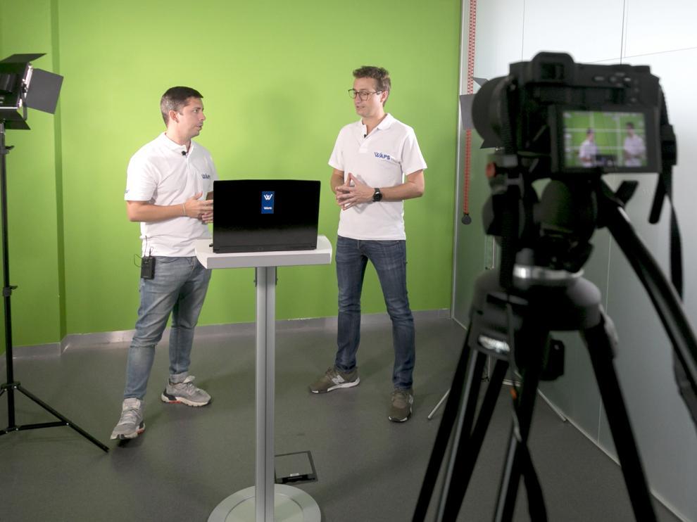 Imagen del estudio de grabación durante el rodaje de uno de los vídeos