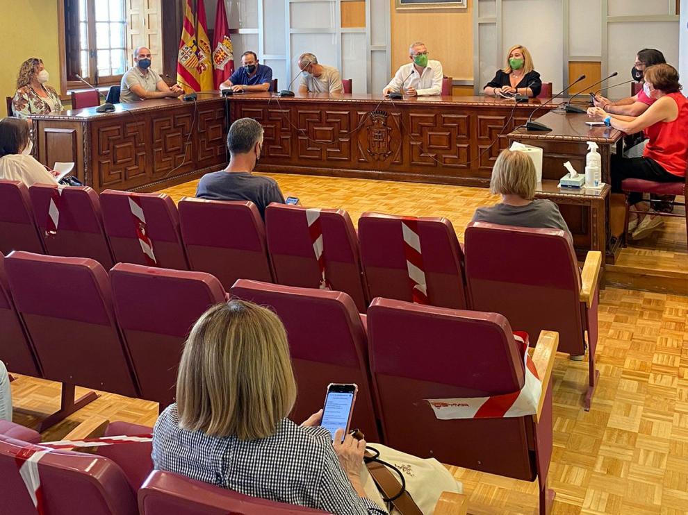 Las diferentes instituciones del valle se reunieron en la tarde de ayer en el Ayuntamiento de Jaca