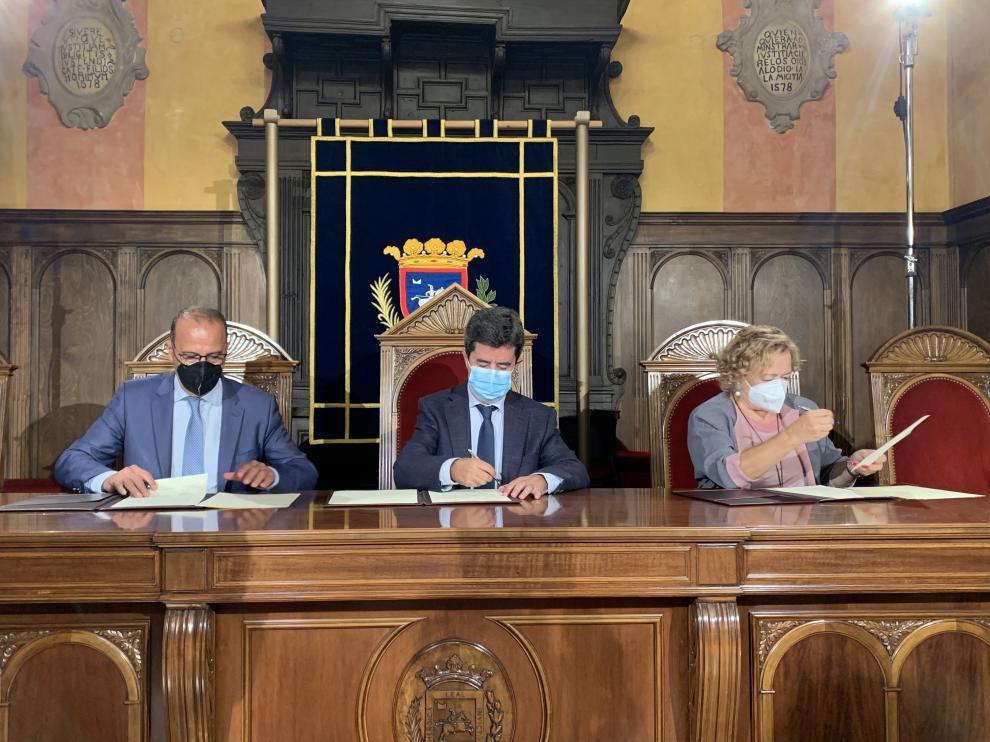 Acto de firma del protocolo general de actuación para difundir la figura de Santiago Ramón y Cajal.