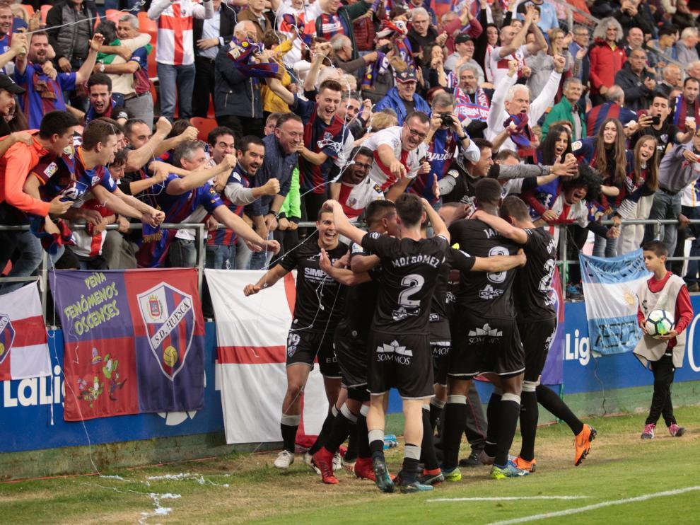 Celebración por todo lo alto en el ascenso de Lugo.