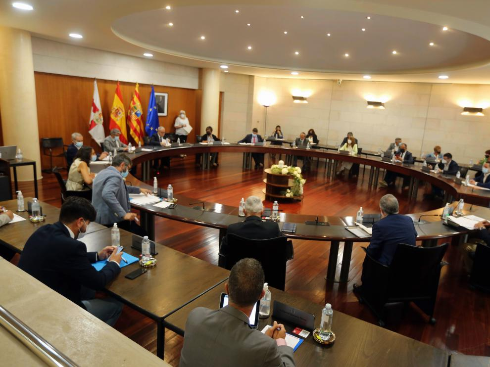 Pleno de la Diputación Provincial de Huesca.