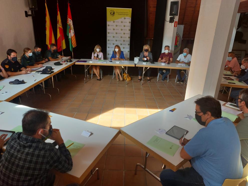 Imagen de la reunión de seguridad celebrada en el Molino Periel de Sabiñánigo.
