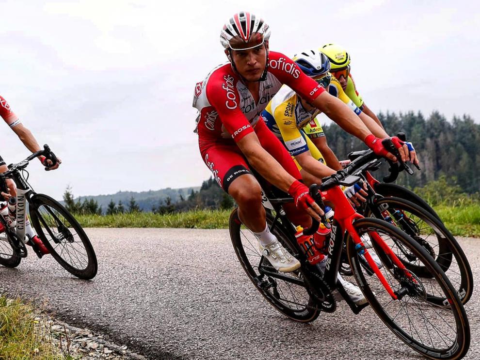 Fernando Barceló se cayó y no pudo terminar la etapa con el pelotón en Luxemburgo.