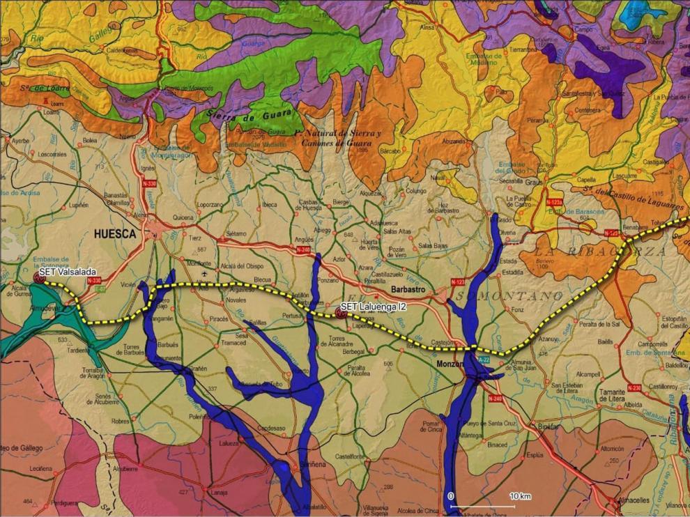 Mapa con parte del trazado de la línea de muy alta tensión Valsalada-Laluenga-Isona, en amarillo.