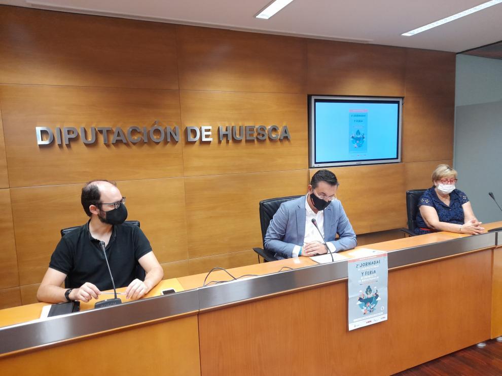 Jorge Luis, Roque Vicente y Celia Carrera, en la presentación de las Jornadas y la Feria.