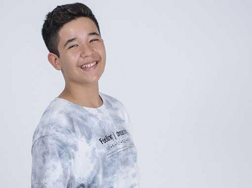Este joven barcelonés cautivó a la audiencia al ganar la última edición de 'La Voz Kids'.
