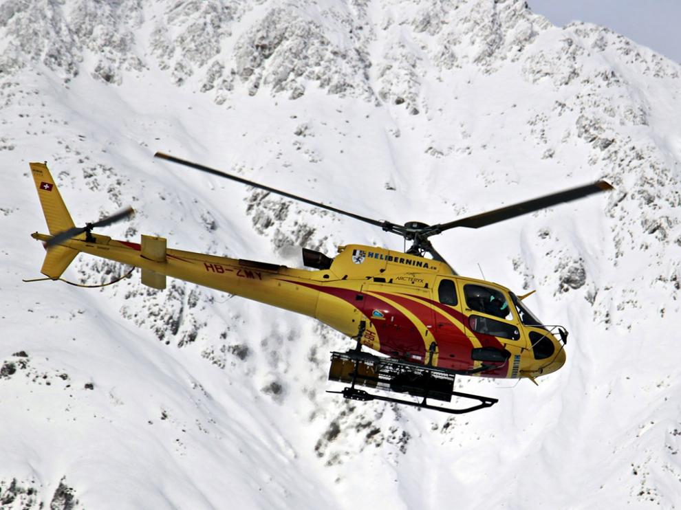 La empresa sube a los usuarios de BTT y esquí en helicóptero hasta las cumbres pirenaicas.