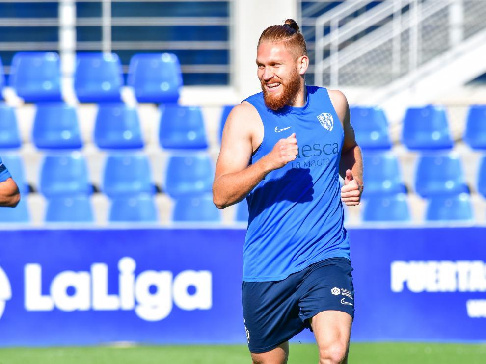 Isidro Pitta, durante el entrenamiento de este viernes en El Alcoraz.