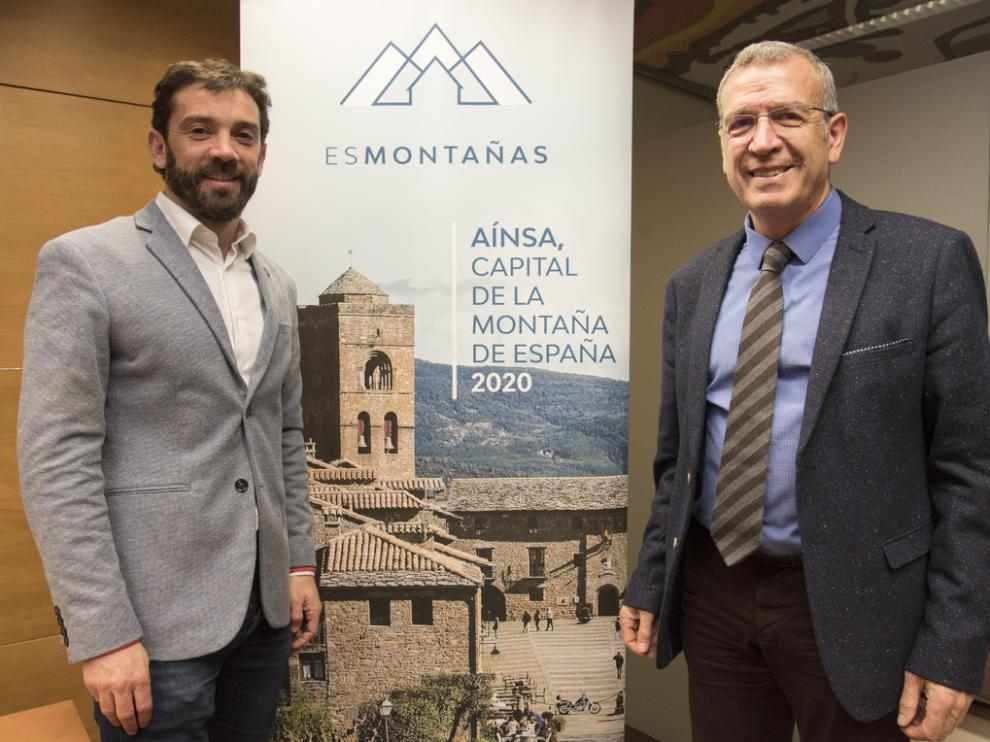 """Presentacion de """"Ainsa capital de esmontaña"""" el pasado año. Enrique Pueyo, alcalde de Aínsa y Francesc Boya, presidente de esMontañas."""