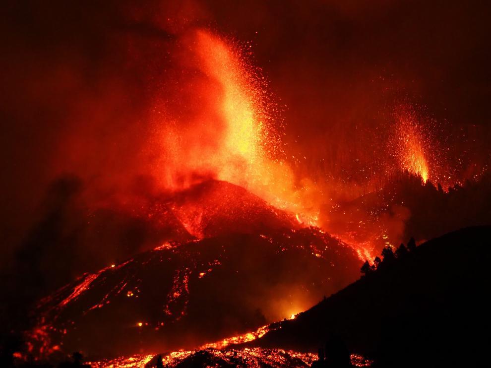 La erupción comenzó este domingo pasadas las tres de la tarde en la isla de La Palma