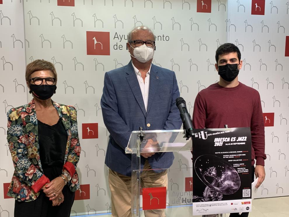 De Pablo, Lasaosa y Esperanza, en la presentación de 'Huesca es Jazz'.