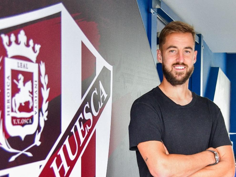 Pulido seguirá al menos dos años más en el Huesca.