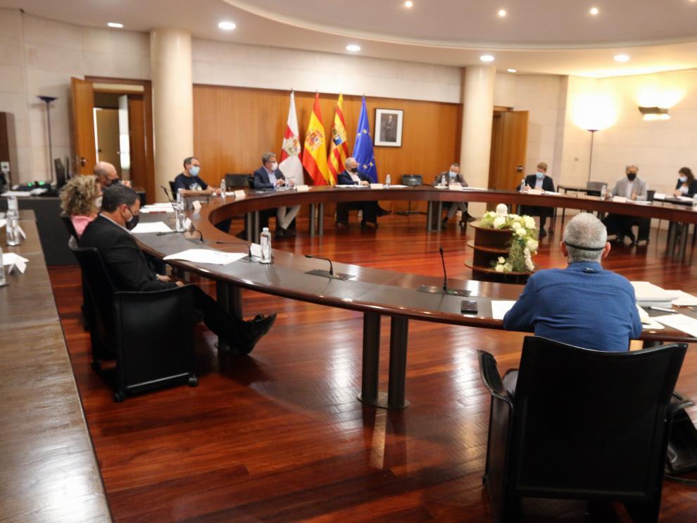 Imagen de la reunión mantenida este martes en la Diputación Provincial de Huesca