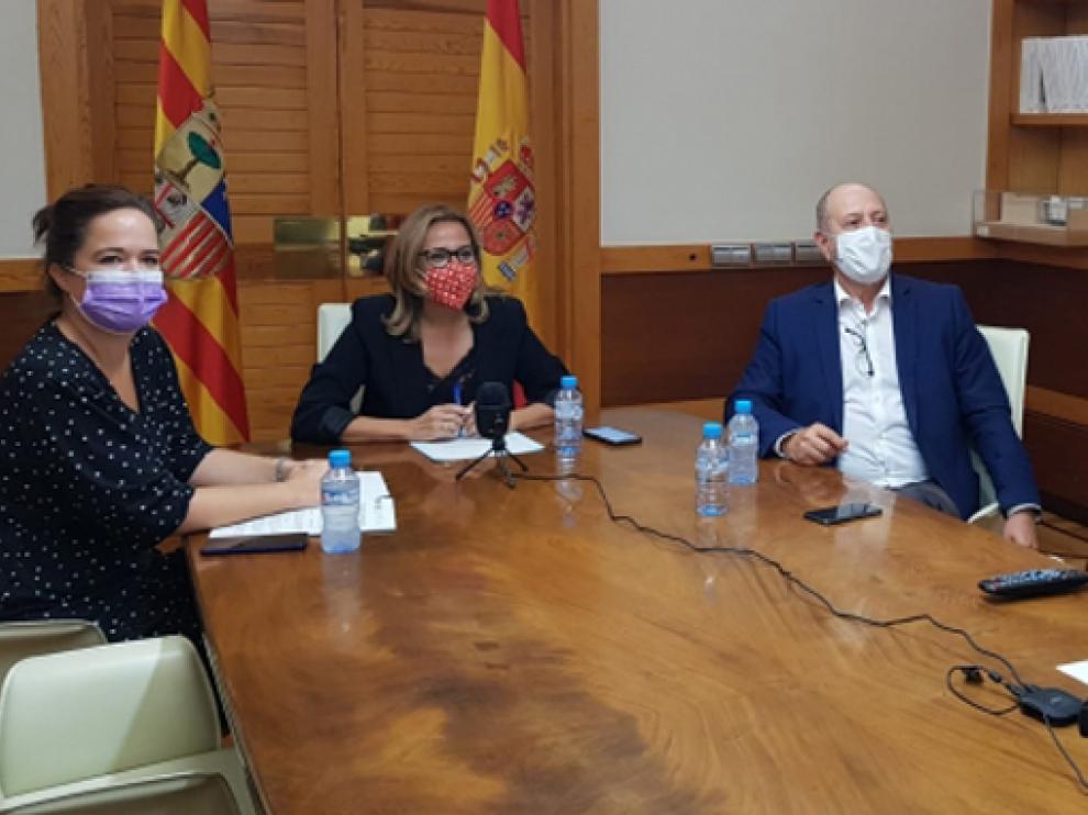 Mayte Pérez, José Ramón Ibáñez y María Goikoetxea participaron en la reunión de ayer.